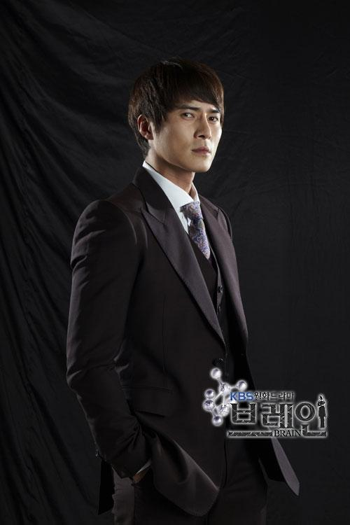 http://www.spcnet.tv/thumbnail.php?img=http://s3.amazonaws.com/spcnet-images/images/actors/Dong-Hyuk-Jo-50bcd972b4500-674.jpg&width=500&height=800