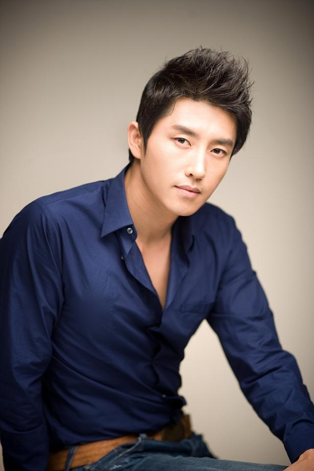Hyun Woo Sung Picture