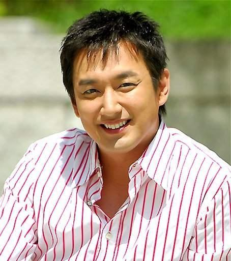 Lee Jae Hwang Picture