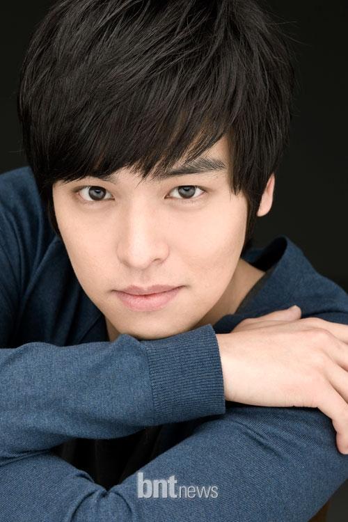 http://www.spcnet.tv/thumbnail.php?img=http://s3.amazonaws.com/spcnet-images/images/actors/Jang-Woo-Lee-50ec5e349461f-3359.jpg&width=500&height=800