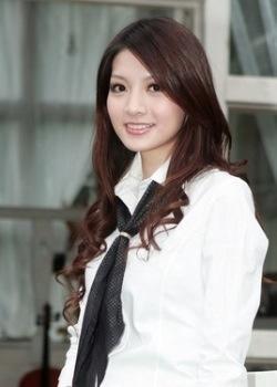 NabShots: Maggie Wu Ya Xin (吳亞馨)