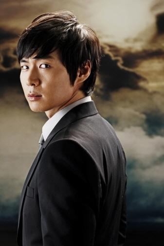 Yun Jung Hoon as Lee Dong Wook - East of Eden Photos - spcnet tv